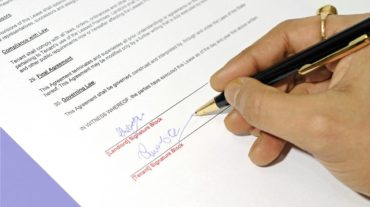 Lease-Signing